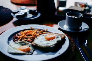 https://lp19.vccevents.com/wp-content/uploads/2018/01/Breakfast-pexels-photo-103124EDITED_5b0868e6474bce7527c964a9c17e9e60.jpg